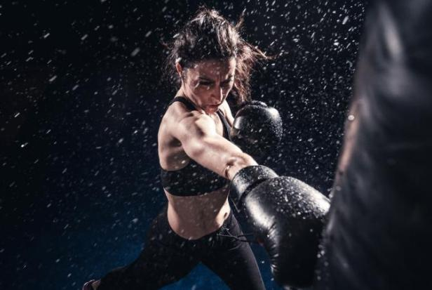 207547-671x450-woman-boxing-training