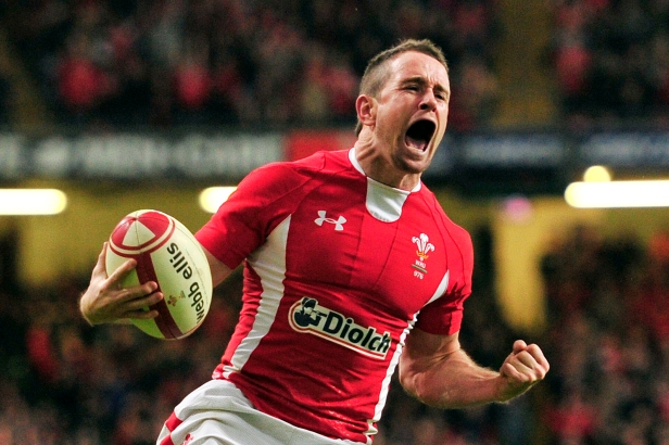 Wales' winger Shane Williams celebrates
