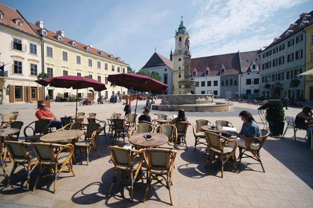 csm_Bratislava_Hlavne_nam_423df2d8a3